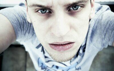 7 Raisons et solutions pour bannir vos cernes sous les yeux